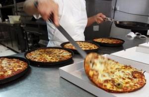 Pizza mediana más bebida