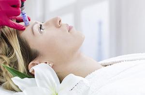 Tratamiento dermapen con silicio orgánico o vitamina C