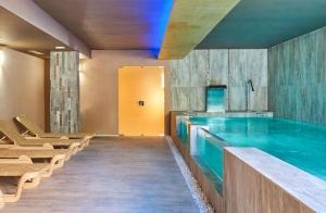 Circuito termal con opción a masaje en Tarifa