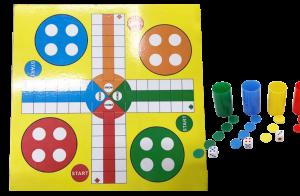 Tablero parchis con 4 juegos de cubiletes con fichas y dados